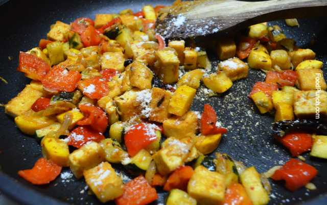 zucchini, tofu, soya paneer, bell pepper, salad, stir fry, recipes, recipe, Thai, veg, vegetarian, side dish, warm salad, red curry paste