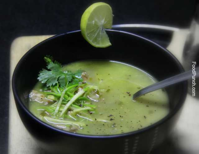 Chicken sopu, winter soup, hot soup, healing soup, aromatic chicken soup, asian style soup, ginger lemon soup, green chicken soup, healthy chicken soup, soups