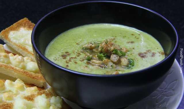 green peas soup, veg soup, vegetable soup, broccoli soup, peas and broccoli soup, winter soup, green soup, warming soup, fresh soup, healthy soup