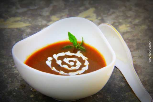 tomato soup, spinach soup, tomato and basil soup, healthy soup, winter soup, homemade soup, vegetarian soup, veg soup, diet food, health food, recipes, recipe