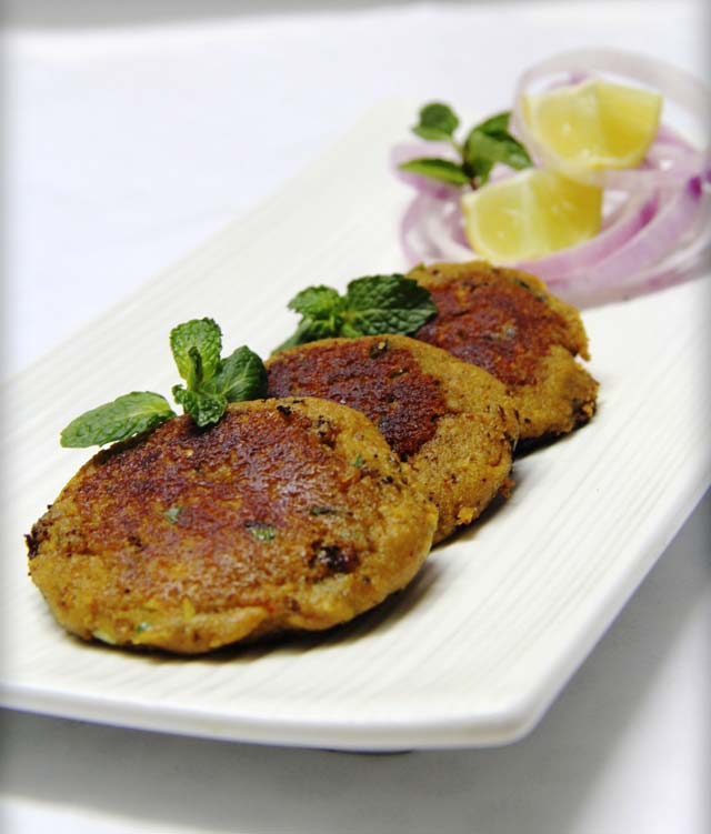 shami kebab, shami kababa, shammi kabab, indian cutlet, mutton cutlet, spicy indian snack,  mughalai cusin, indian delicate kababs, indian starter, indian snacks, sides, mutton recipe, goat meat kabab, non-veg recipe, non vegetarian recipe