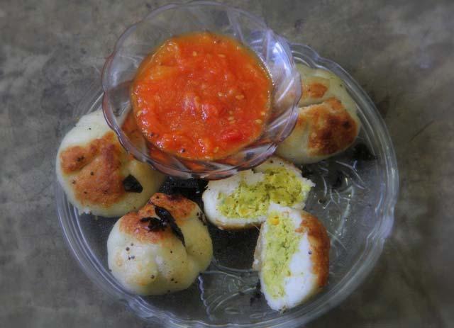 lentils recipe, lentils stuffed rice parcels recipe, pittha, rice packets recipe, steamed recipe, healthy snacks, tomato chutney, indian recipe, indian snack recipe without potato