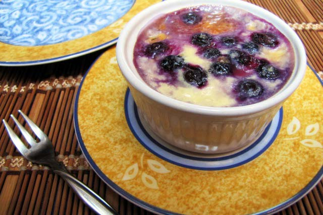 rice pudding, pudding recipe, easy cooking, leftover recipe, rice pudding with blueberries, bluesberry dessert, home cooking, quick dessert, quick recipe