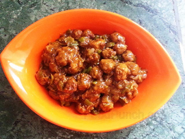 Soya chili nuggets, soya nuggets recipe, soya chilli, vegetarian Chinese chili recipe, Indian style Chinese, Nutrela nuggets recipe, nutri nugget recipe