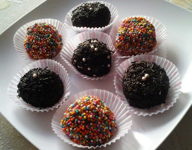 rum balls, chocolate rum balls recipe, chocolate pops recipe, cake ...