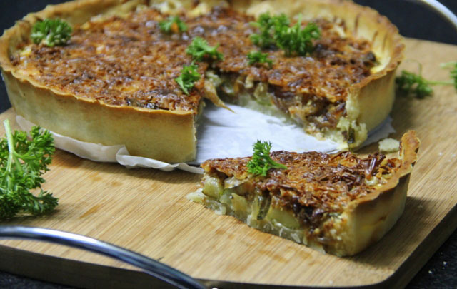 onion tart, french onion tart, caramelized onion tart, vegetarian tart recipe, french onion and zucchini tart, summer tart recipe, savory tart recipe, eggless tart, yogurt tart pastry, recipe