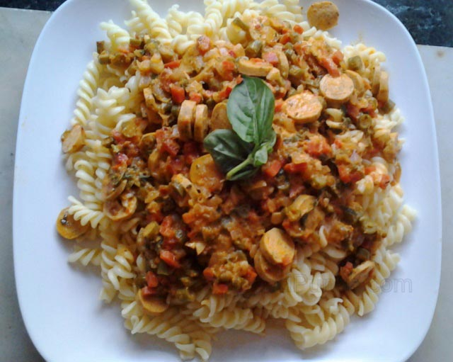 pasta recipe, indian style pasta, spicy fusilli with sausages, chicken sausage recipe, spicy sausage fusilli, sunday brunch, fusilli recipe, spicy pasta recipe, home cooked pasta recipe