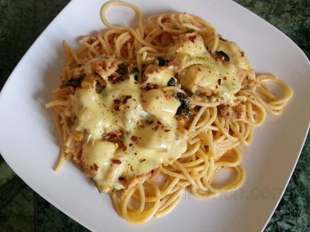 baked spaghetti recipe, baked pasta recipe, classic baked chicken spaghetti, cream and pasta recipe, pasta dish, baked meal, pasta, spagheti recipe