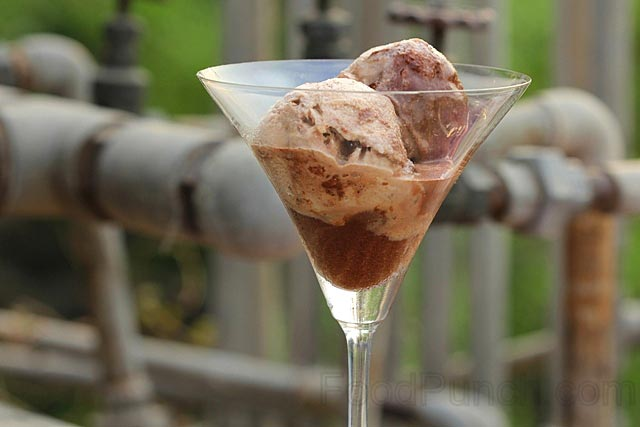 double chocolate sorbet, dark chocolate sorbet, chocolate icecream, chocolate recipe, white chocolate icecream, summer sorbet, dessert, sweet, party dessert, chocolate recipe, sinful chocolate, chocolate frozen dessert, no bake dessert, no cook dessert, frozen dessert