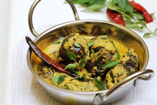 Indian curry, indian eggplant curry, indian aubergine recipe, aubergine curry, dhai baibgan, bengali curry, dhai posto baingan, summer curry indian style, dhai baingan sabji, brinjal curry, dahi brinjal, north indian cuisine, eggplants in yogurt, curd curry