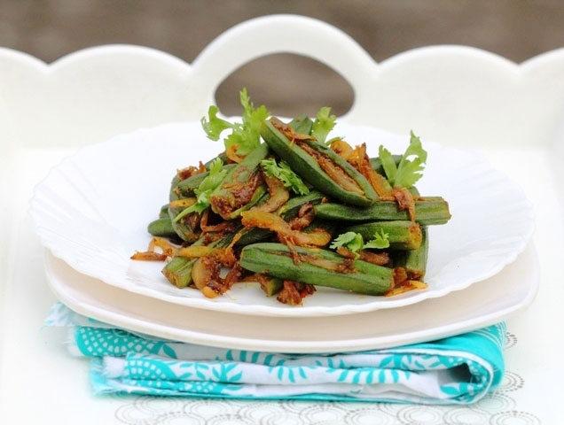 bharwan bhindi, bharwan okra, stuffed lady finger, stuffed okra, bharwa bhindi, indian stir fry vegetables, vegetables, veggies, eating vegan, stuffed okra fr, spicy okra fry, fried bhindi, Indian okra recipe, indian fried okra, okra, vegetarian recipe, indian cooking, fresh food, bhindi masala, okra masala