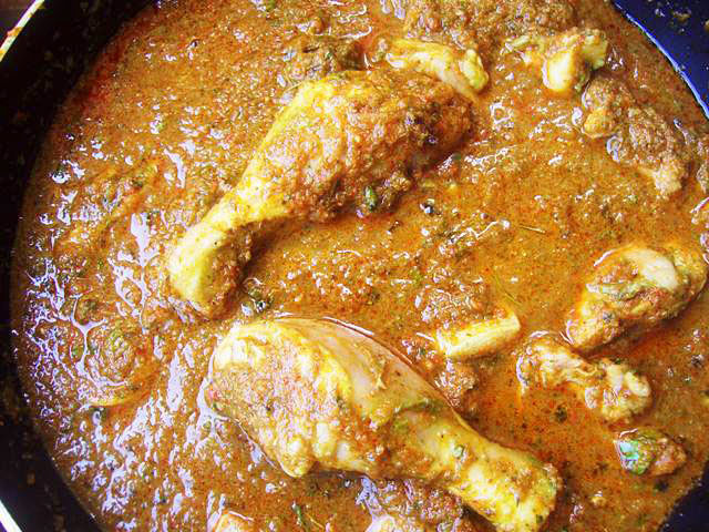 Maharashtrian Kasoori Methi Chicken Recipe, indian chicken curry, chicken curry in thick gravy, indian gravy chicken, spicy chicken curry in thick gravy, indian spicy chicken curry, methi chicken curry, Maharashtrian chicken gravy, idian curry, indian main course recipe, indian party recipe, chicken recipe