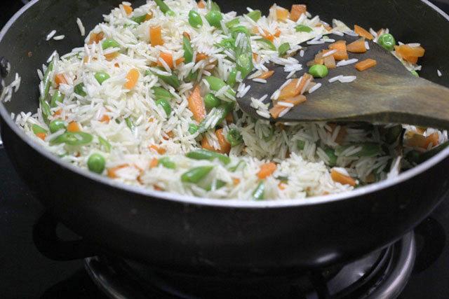 vegetable pulav, indian fried rice, pulav recipe, pulav, indian rice, pulao  recipe, pulao, rice fried, spicy rice, vegetable fried rice, veg pulao, vegetable pulav