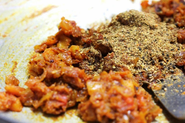 achari mutton meatballs, achari urg recipe, motton recipe, achari goat meat recipe, keema meat recipe, achari keem meat recipe, idian mutton recipe, indian meatballs, meatballs, goat's meat recipe, goat meat gravy, mutton curry, achari curry, non vegetarian, lamb curry, achari lamb kofta, lamb koftas, mutton koftas, main course, gravy, curry