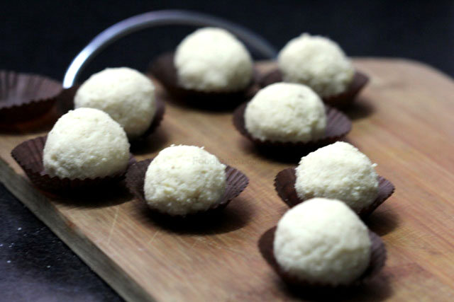 Sondesh recipe, bengali sweet recipe, sondesh with gur