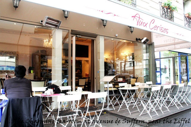 food in paris, cafe near eiffel tower, paris