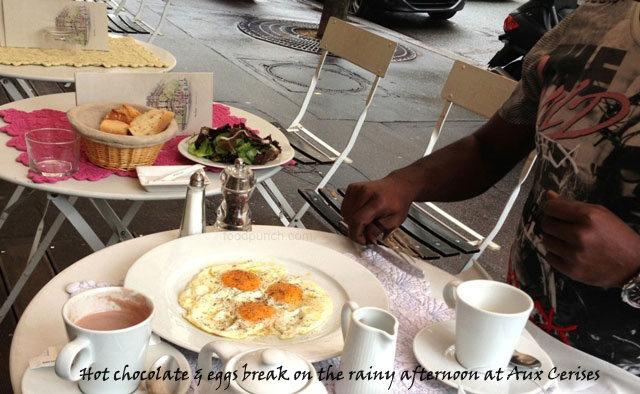 food in paris, cafe near eiffel tower, paris