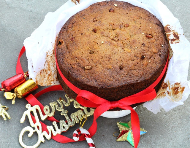 Christmas cake recipe, boozy christmas fruit cake, plum cake