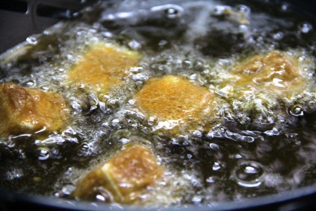 Chilli paneer ecipe, chicnes recipe, paneer chilli, restaurant style chilli paneer