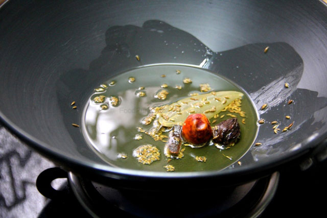 Spicy Green Peas Curry Recipe,  aloo matar sabji, green peas and potato curry, green peas soup