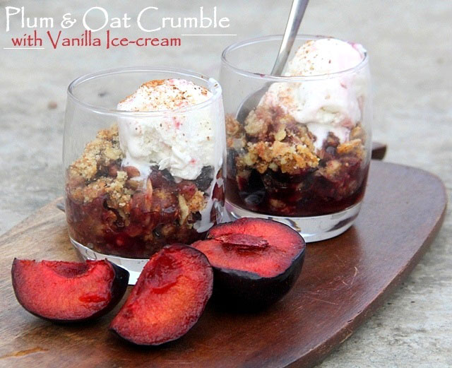 Plums and oat crumble with vanilla icecream, plum crumble, fruit crumble with oat, oat crumble