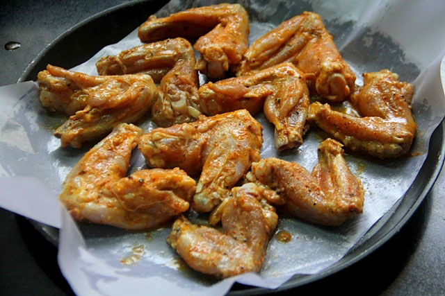 Sweet and Spicy Chicken Wings, crispy honey chili chicken,  hot and sweet chicken recipe, baked chicken wings