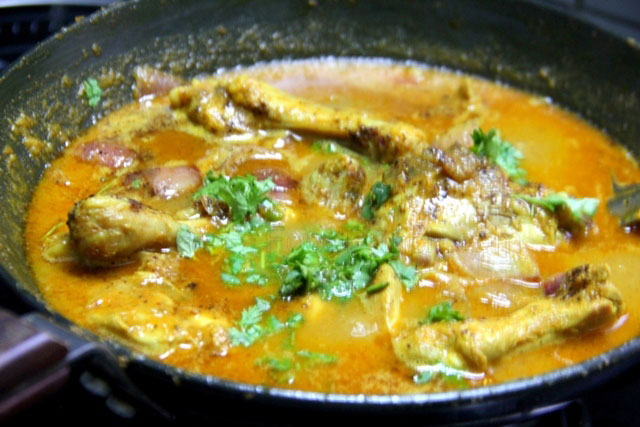 Chicken Do Pyaza Recipe, murg do pyaza, Indian chicken curry, thick chicken gravy