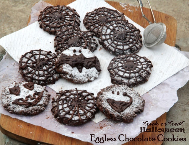 Eggless Chocolate Cookies recipe, cocolate crinkle cookie, Halloween recipe, dark chocolate cookies, chocolate biscuit