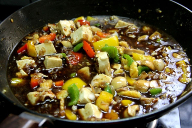 Chinese gravy, vegetarian Chinese recipe, Stir fried Vegetables in hot Garlic and Lemongrass Sauce Recipe