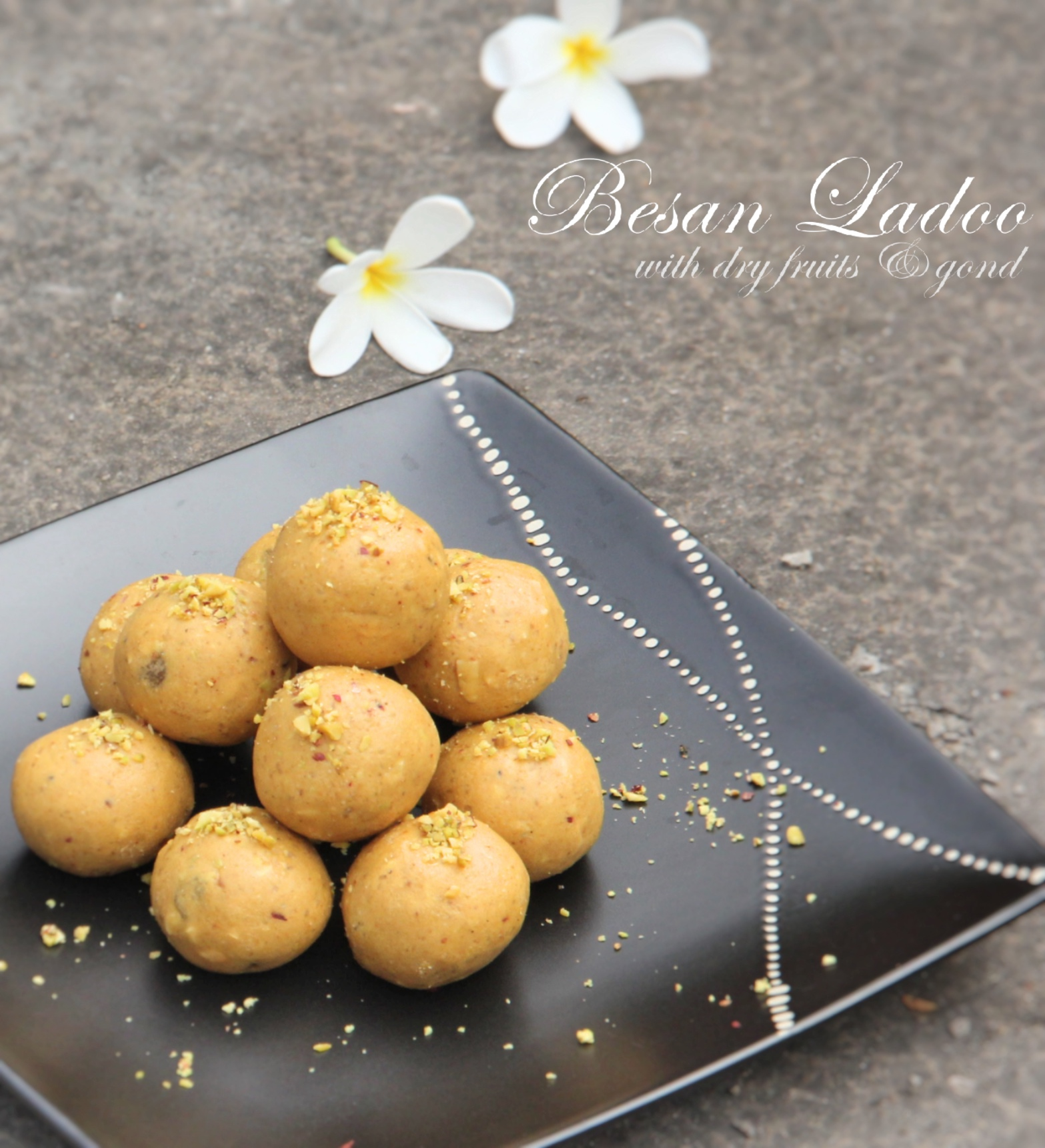 final besan ladoo arrangement