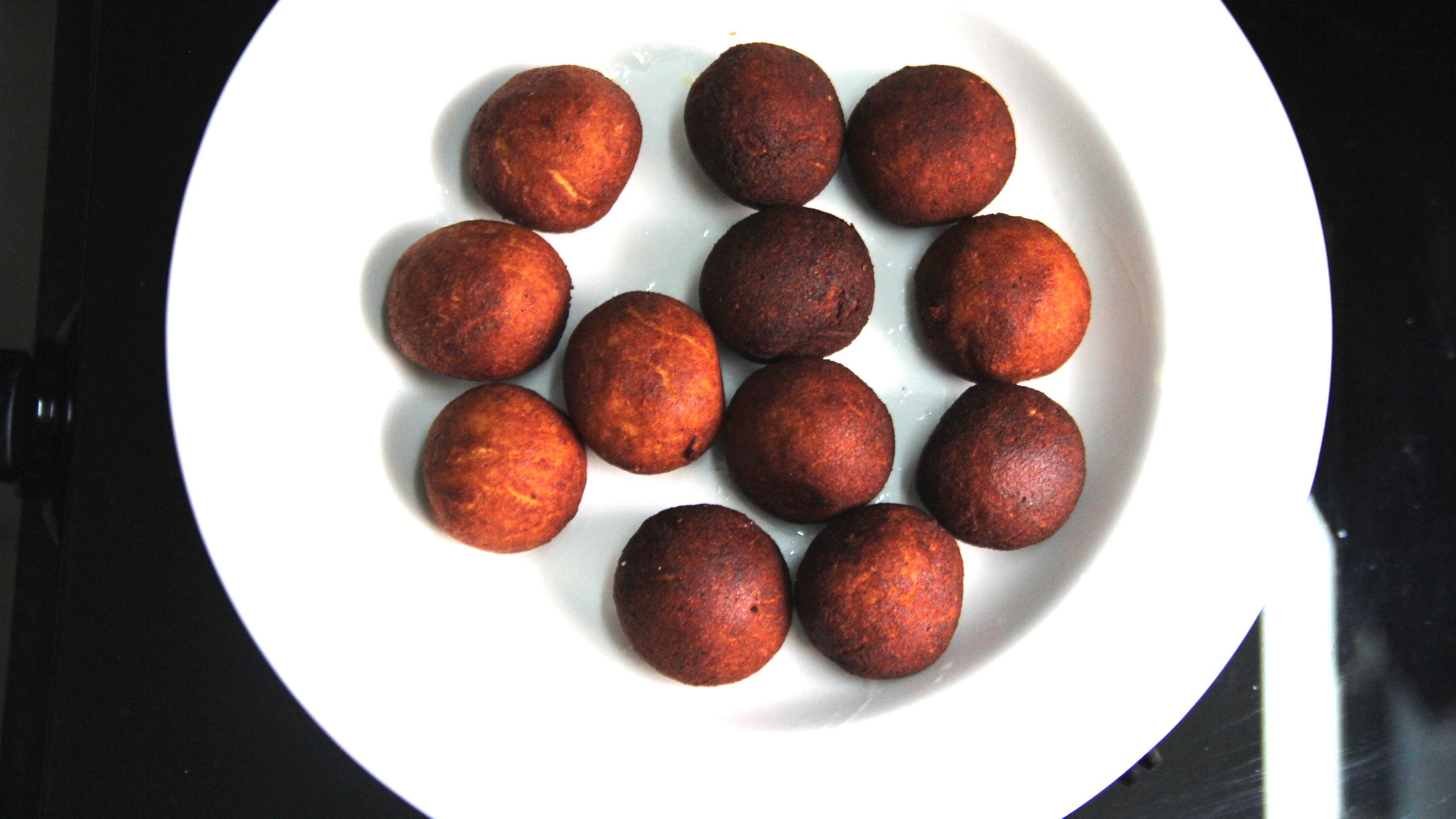 Fried Gulab Jamun balls